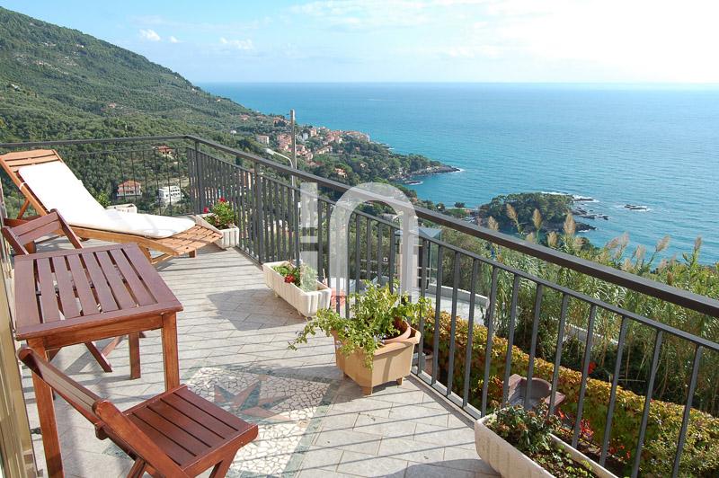 Villa restaurata con vista mare, Lerici