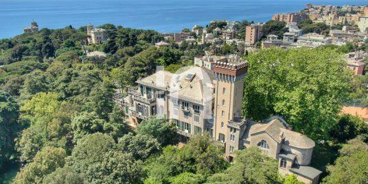 Appartamento nobiliare in Parco Carrara, Genova
